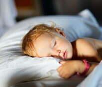 Jak długo powinny spać dzieci?